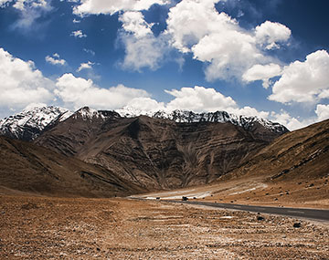 Ladakh Tour With Pangong Excursion BookOtrip